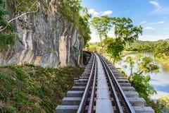 Doodsspoorweg, tijdens Wereldoorlog II, Kanchanaburi Thailand wordt gebouwd dat Stock Foto's