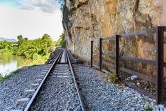 Doodsspoorweg, tijdens Wereldoorlog II, Kanchanaburi Thailand wordt gebouwd dat Stock Foto