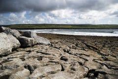 Doolin海湾和Moher峭壁  图库摄影