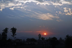 doon印度日落谷 免版税库存照片