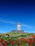 Doonagore slott Doolin Co. Clare Irland Royaltyfri Bild