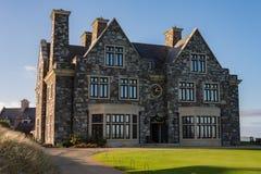 Doonbeg, Ierland - December achtentwintigste 2016: Donald Trump International Golf Links & vijfsterrenhotel Doonbeg, Provincie Cl royalty-vrije stock fotografie