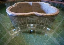 Doopdoopvont in baptistery van de stad van Parma Stock Foto's