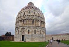 Doopkapel op beroemde Piazza dei Miracoli, Pisa, Italië Royalty-vrije Stock Afbeelding