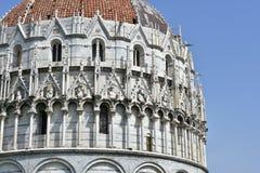 Doopkapel twee van Pisa verschillende stijlen Stock Afbeeldingen