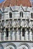 Doopkapel twee van Pisa verschillende stijlen Royalty-vrije Stock Afbeeldingen