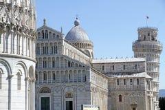 Doopkapel van St. John, Kathedraal en Leunende toren, Pisa, Italië Stock Afbeeldingen