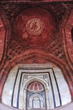 Door and ceiling. Muslim ancient architecture in old fort in Delhi Stock Photo