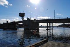 Door de rivier Stock Foto