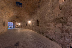 Door de Tunnel Royalty-vrije Stock Afbeeldingen