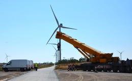 Door de wind aangedreven stroompost royalty-vrije stock foto's