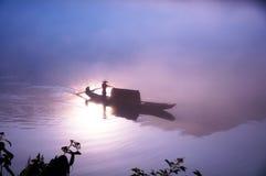 Door de zonneschijn in het water Stock Afbeeldingen