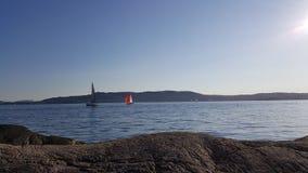 Door het overzees in Noorwegen Stock Afbeelding