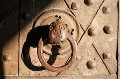 Doorknob w starym kasztelu Zdjęcia Stock