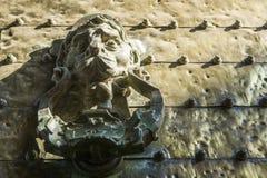 Doorknocker przedstawia lew głowę, cordoba meczet, Andalusia, Spai Obraz Stock