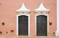 Doors in a old city of Valladolid, Mexico Stock Photography