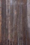 Doorstaan hout met spijkers en sporen van witte pijn Royalty-vrije Stock Foto's