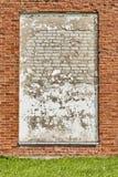Doorstane bakstenen muurachtergrond Royalty-vrije Stock Afbeeldingen