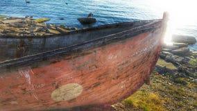 Doorstane oude boot Royalty-vrije Stock Afbeeldingen