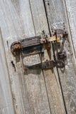 Doorstane staldeurscharnieren, klink, vensters, Royalty-vrije Stock Foto
