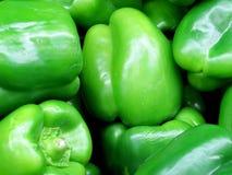Doos groene paprika's Royalty-vrije Stock Afbeeldingen