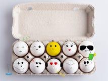 Doos met eieren Stock Afbeeldingen