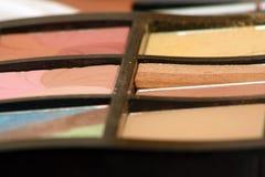 Doos met kosmetische schaduwen Royalty-vrije Stock Foto's