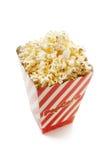 Doos verse popcorn stock foto