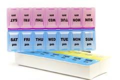 Doos voor opslag van drugs, met inschrijvingen op dagen van de week royalty-vrije stock foto's