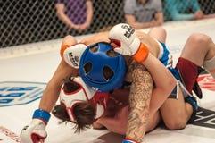 Dopasowania dwa MMA wojownicy Obrazy Stock