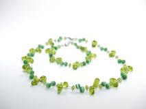 Dopasowywać Zieloną kolię i bransoletkę Zdjęcie Royalty Free