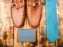 Dopasowywanie krawat i portfel Moda i styl M?scy str?j mody akcesoria Akcesoria sklep sk?ra kuje eleganckiego zdjęcie stock