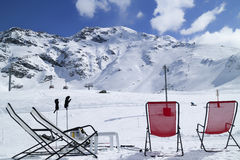 Doposci su neve in alpi francesi Immagini Stock
