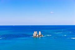Doppel-Felsen auf dem Meer, Taipeh, Taiwan Lizenzfreie Stockbilder