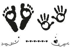 Doppelbaby und Jungenfüße und -hand drucken Ankunftskarten-Schwarzweiss-Hintergrund stock abbildung