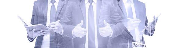 Doppelbelichtung des Geschäftsmannes mit Stadtbild, modernes Glas-Busi stockfotografie