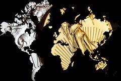 Doppelbelichtung mit Weltkarte und goldenem und silbernem amerikanischem Adler Lizenzfreies Stockbild