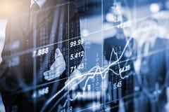 Doppelbelichtungsgeschäftsmann und Börse oder Devisen stellen Klage grafisch dar Lizenzfreies Stockbild