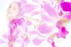 Doppelbelichtungsporträt der jungen Frau kombinierte mit Fotografie Lizenzfreie Stockfotos