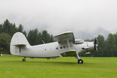 Doppeldecker - vorbildliches Biplane - Flugzeuge Lizenzfreies Stockfoto