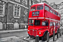 Doppeldecker-Weinlesebus des Londoners roter Stockfotos