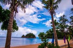 Doppelfelsen-Strandurlaubsort, Catanduanes, Philippinen lizenzfreie stockfotos