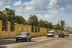 Doppelpunkt-Kirchhofwand Havana Stockbilder