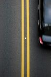 Doppelte gelbe Linien Teiler Lizenzfreies Stockfoto