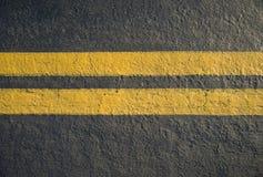 Doppelte gelbe Zeilen Teiler Lizenzfreie Stockfotos