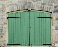 Doppelte grüne Türen Lizenzfreie Stockfotografie