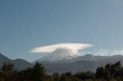 Doppelte Kegel des Villarica Vulkans in Chile Stockfoto