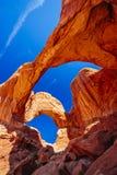 Doppelter Bogen in den Bögen Nationalpark, Utah, USA Lizenzfreie Stockbilder