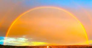 Doppelter Regenbogen in der großen Ozean-Straße Lizenzfreie Stockfotos