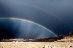 Doppelter Regenbogen in Tibet Stockbild